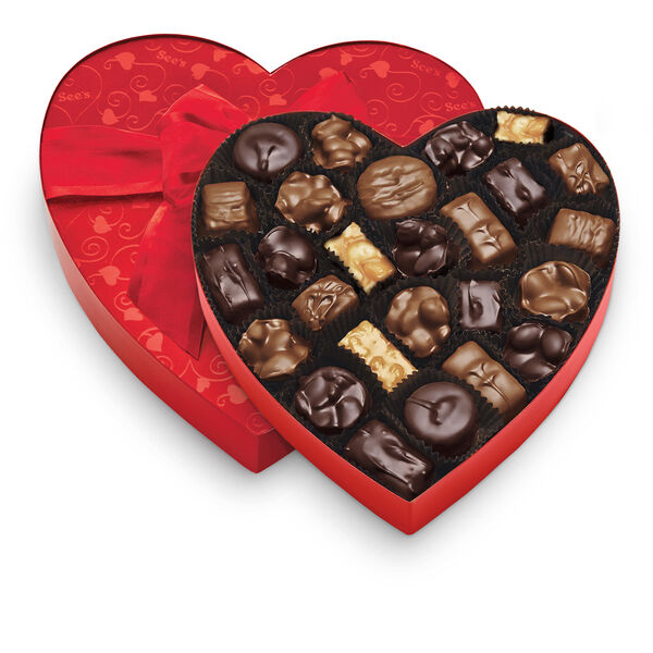 Classic Red Heart - Nuts & Chews